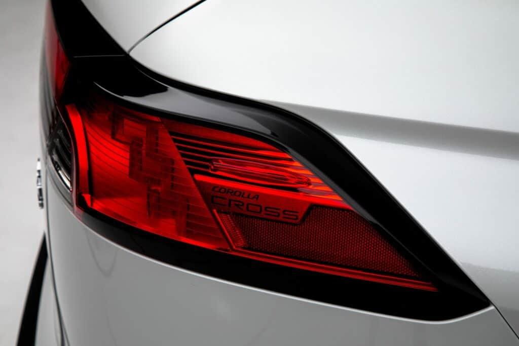 2022 Toyota Corolla Cross WindChillPearl 011 scaled 1