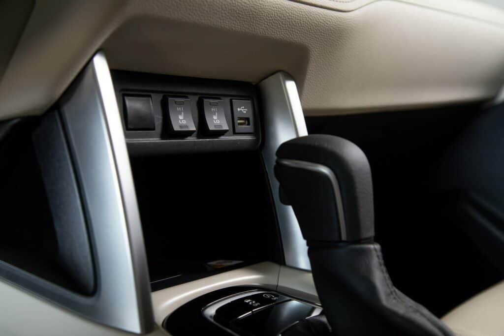 2022 Toyota Corolla Cross WindChillPearl 017 scaled 1