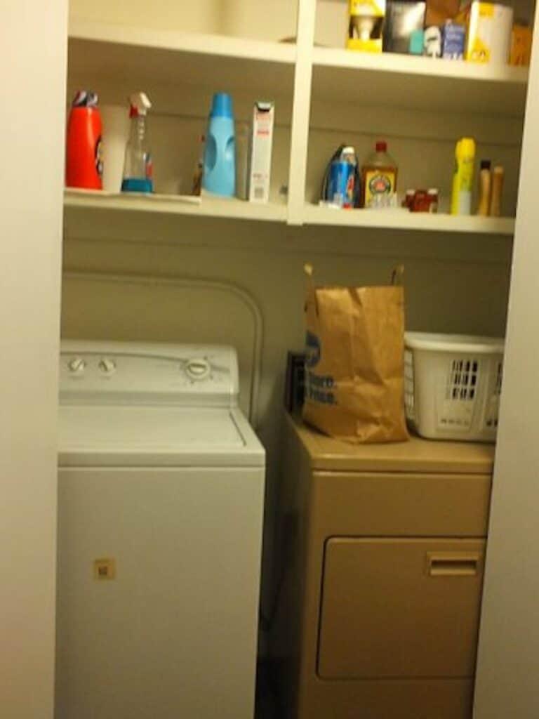 9 Hallway washing machine and dryer
